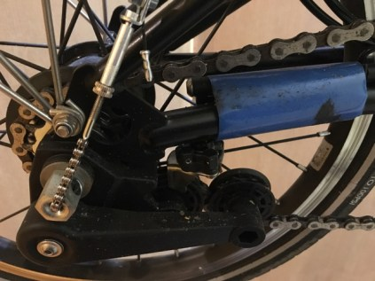 Dirty chain and chain tensioner