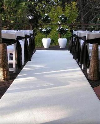 White-Carpet-Set-Up