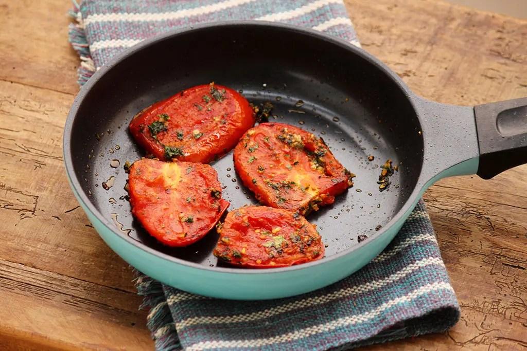 Tomates Fritos - Um prato fácil e delicioso