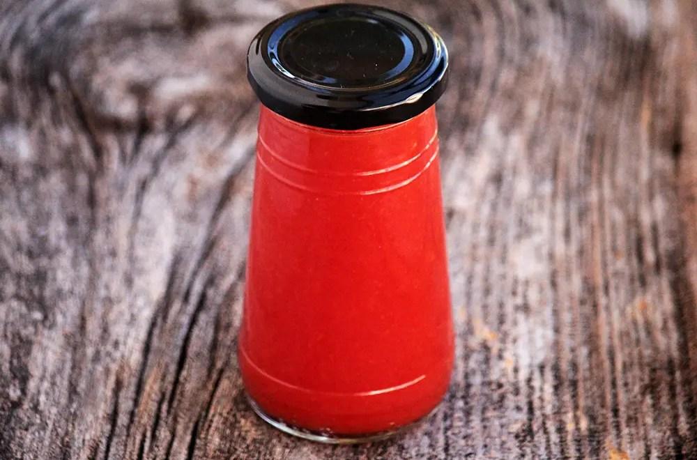 Passata de Tomate e um Ketchup feito com as sementes