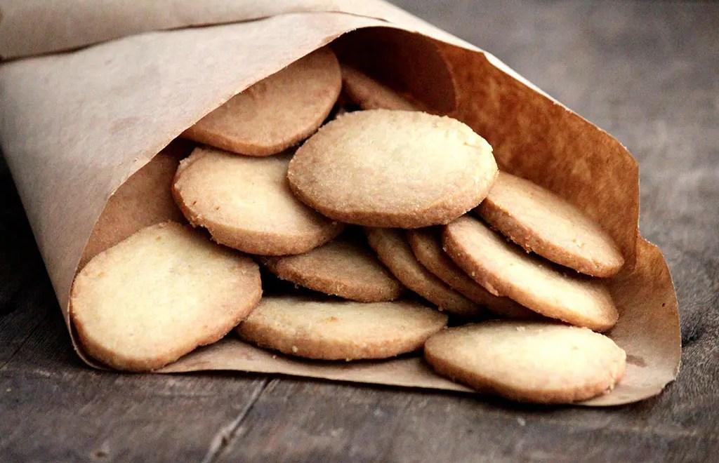 Biscoito amanteigado caseiro e fácil