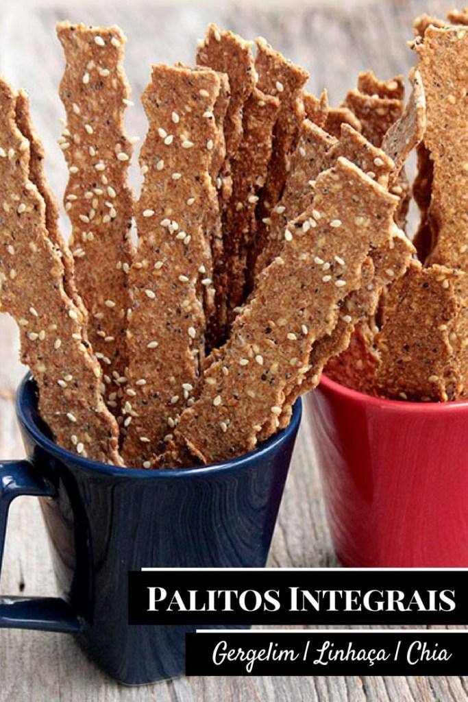 Palitos integrais com gergelim, linhaça e chia - Você vai se apaixonar por esses palitinhos saudáveis, ricos em fibras e simplesmente deliciosos. Você pode usar as sementes que mais gosta e criar a sua versão, você também pode adicionar ervas desidratadas, pimenta e muito mais. Faça esses biscoitos salgados integrais na sua casa. A receita é fácil, eles são assados e perfeitos para um lanche saudável.