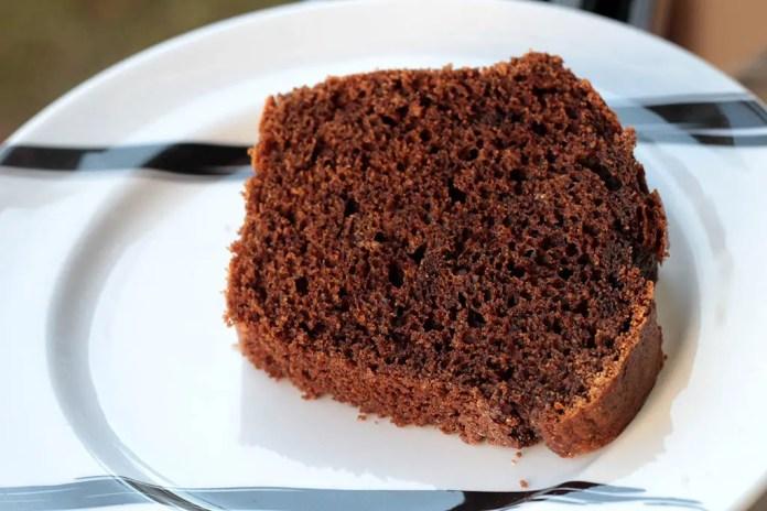 Bolo de café com chocolate fácil e fofinho