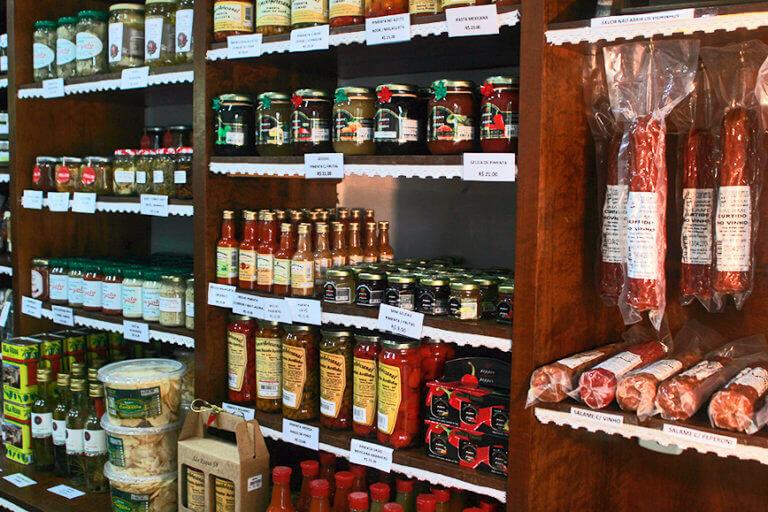 Bate e Volta de Sampa pra São Roque compre vinhos e produtos coloniais