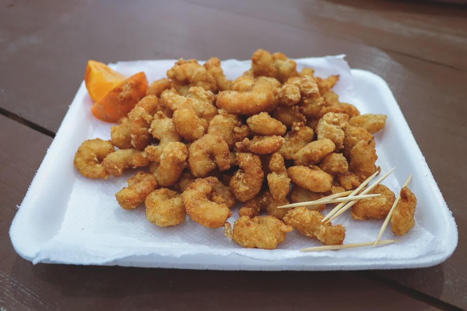O que tem pra comer na Marejada? Camarão empanado
