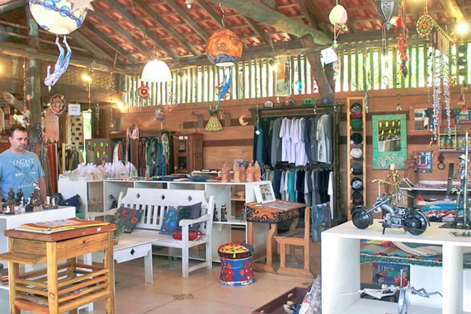 Megandra, restaurante, loja e centro de meditação