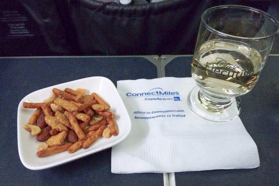 Como é voar Copa Airlines? Aperitivos da classe executiva (business)