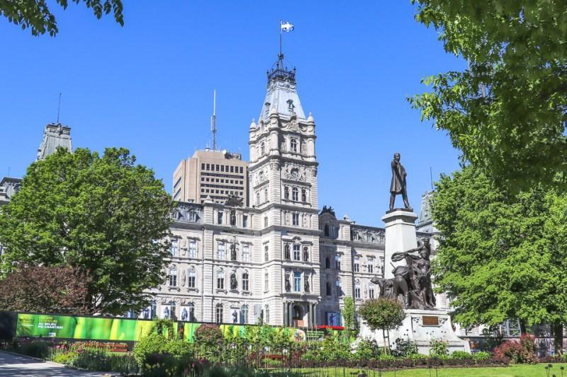Arquitetura do prédio do parlamento em Quebec City, Canadá