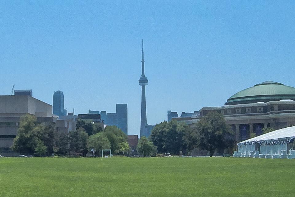 CN Tower vista da Universidade de Toronto