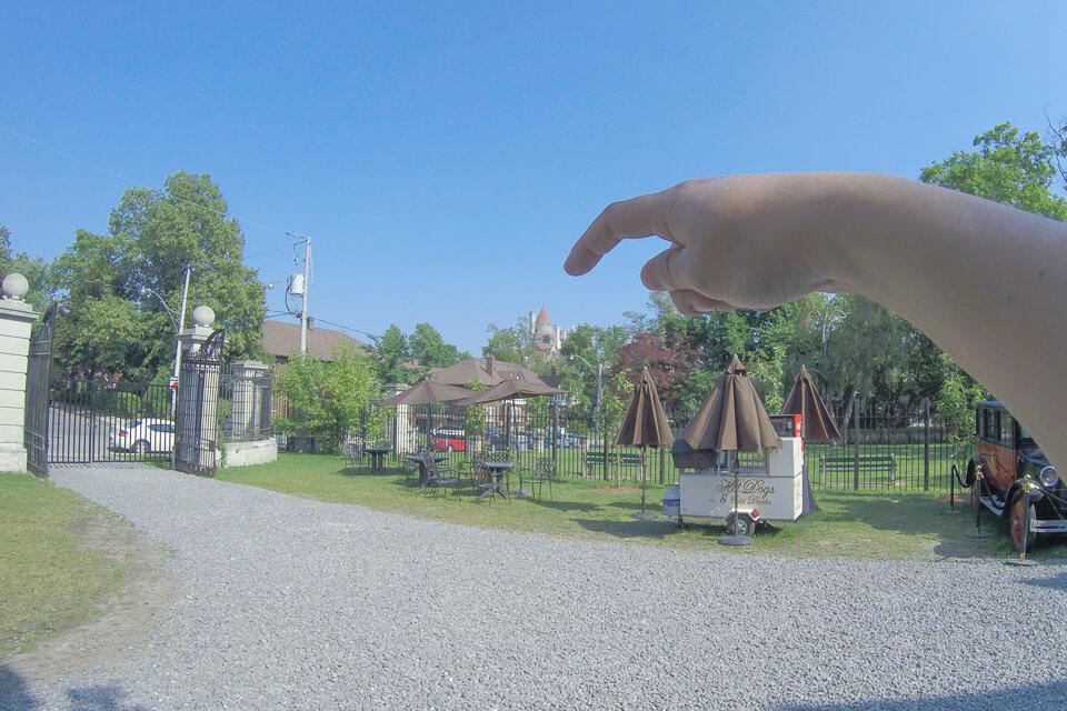 Vista do estábulo para a Casa Loma, Toronto