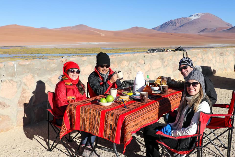 Café da manhã Araya Atacama passeio salar de tara deserto do atacama