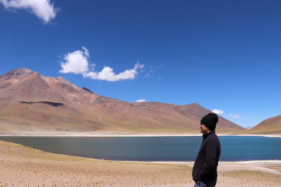 Laguna Meniques é uma das Lagunas Altiplânicas do deserto do Atacama