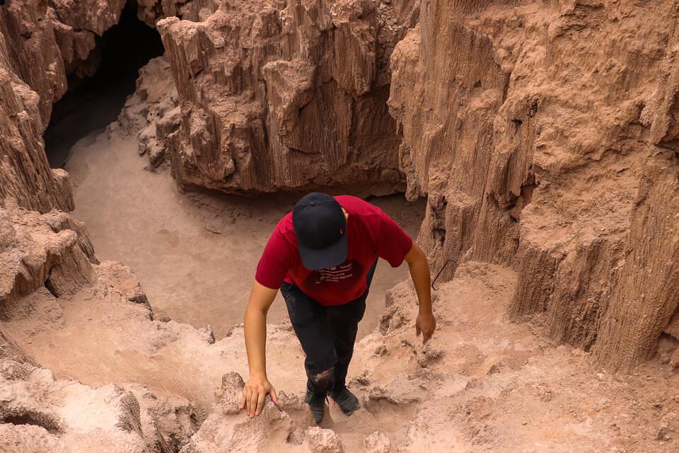 Caverna de sal no valle de la luna e o valle de la muerte