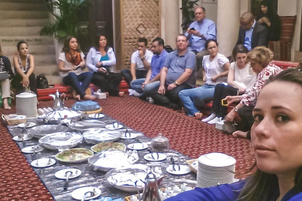 Onde comer em Dubai comida tipica arabe
