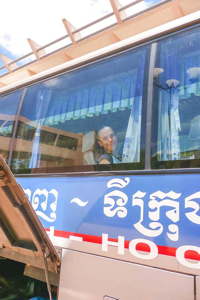 Atravessando a fronteira do camboja e vietna de ônibus