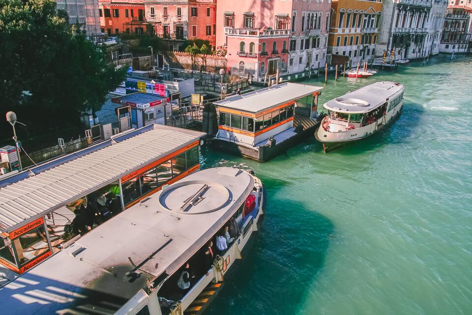 Como se deslocar dentro de Veneza vaporetto