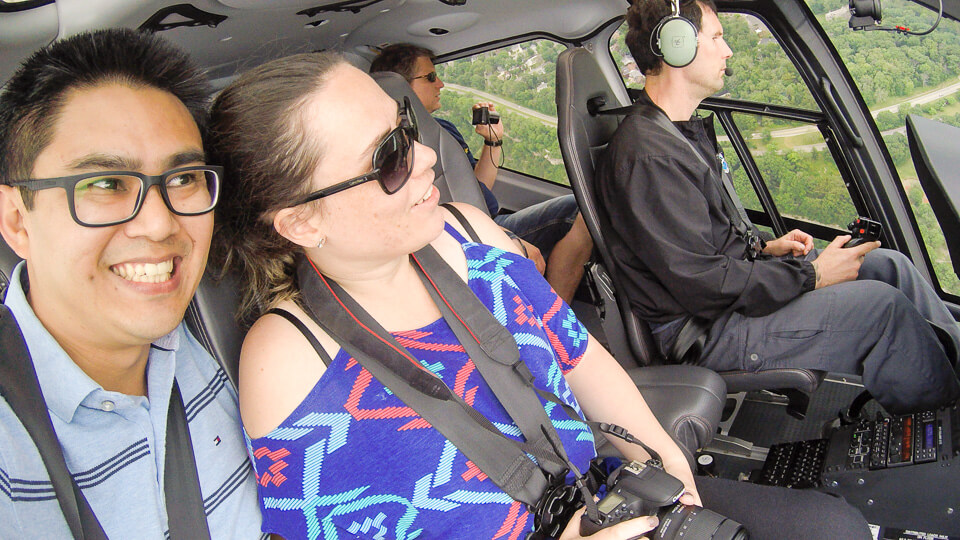 Passeio de helicóptero pelas cataratas de Niagara no Canada