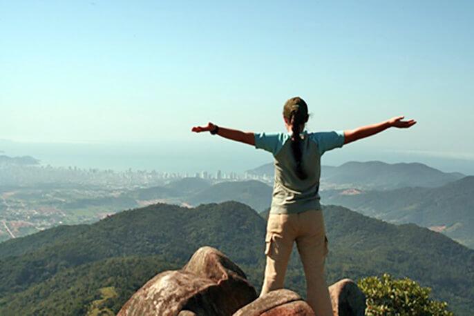 Medo de viajar sozinha? dicas no blog Me Leva de Leve