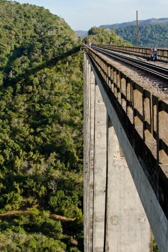 Viaduto 13, Vespasiano Corrêa, 02/07/16. (Foto: Rafaela Ely)