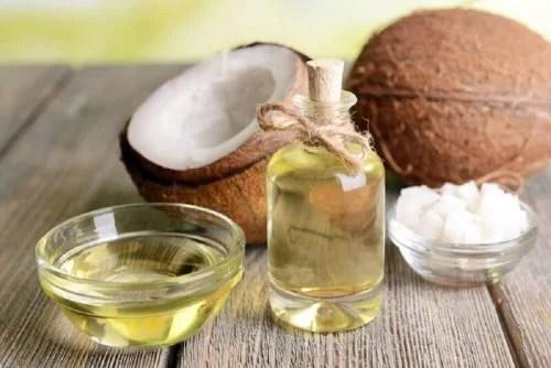 Óleo de coco  ajuda a aliviar os zumbidos no ouvido