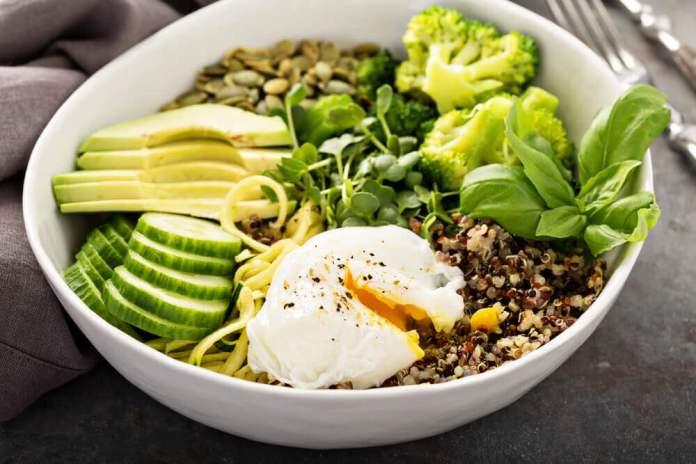 Salada de abacate e sementes