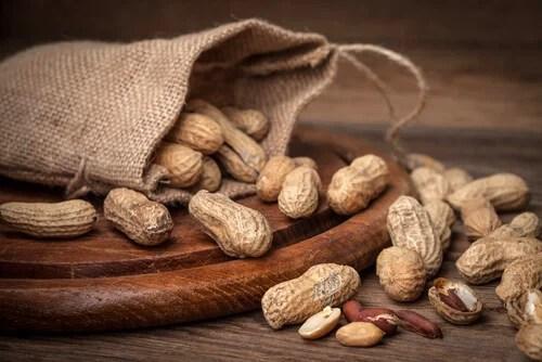 amendoim Descubra as propriedades destes 10 frutos secos