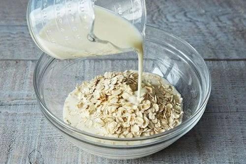 esfoliante-aveia 5 cafés da manhã saudáveis para começar o seu dia com energia