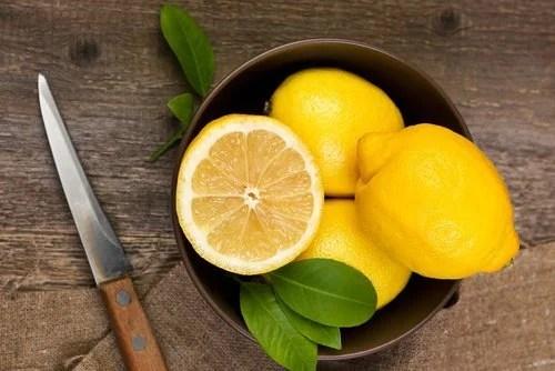 limao-2-500x334 6 remédios naturais para clarear as mãos