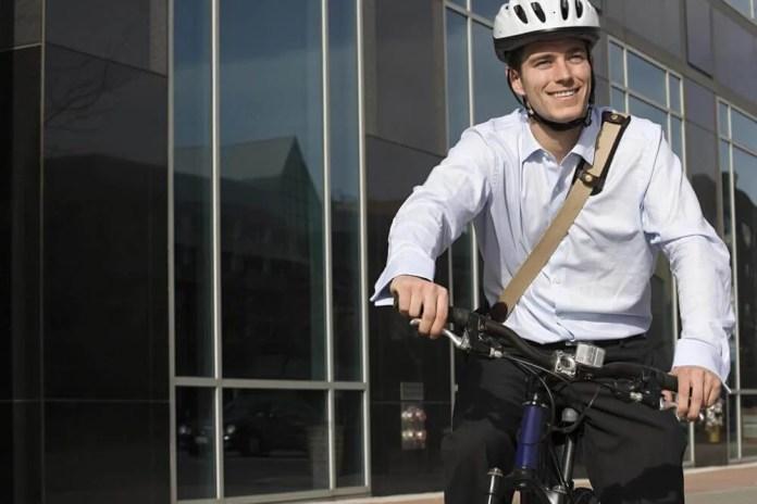 bicicleta-trabalho Ir para o trabalho de bicicleta reduz o estresse ocupacional