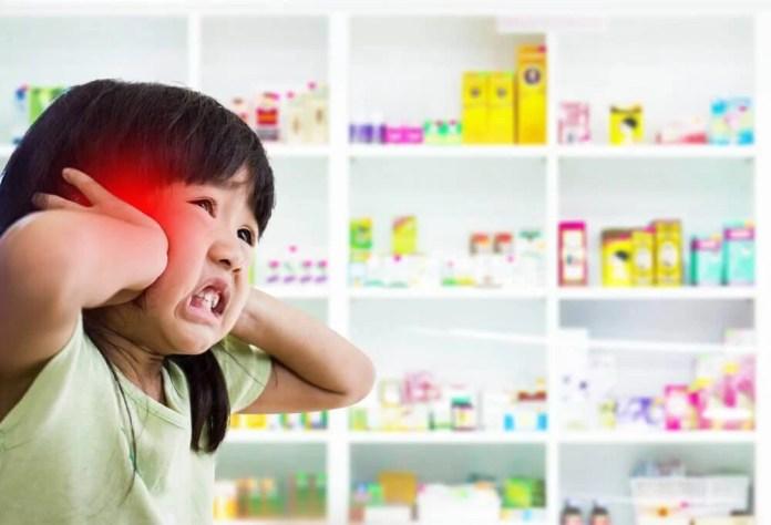 Criança sentindo dor
