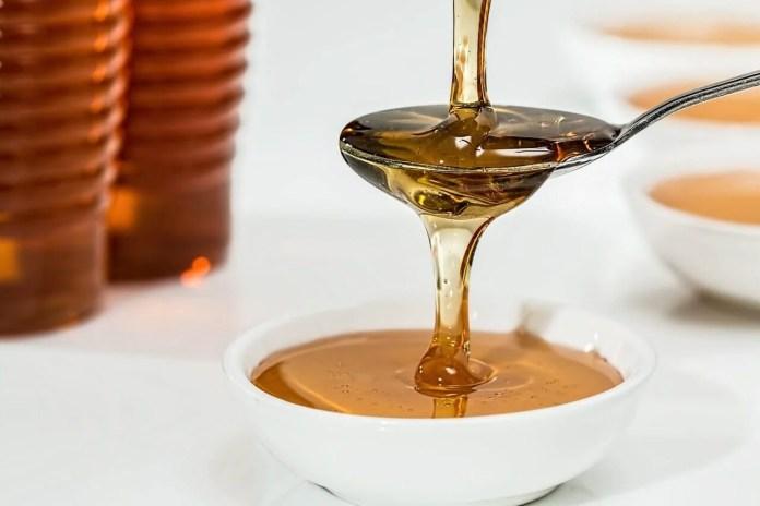 mel Benefícios do mel para o cabelo