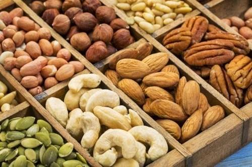 frutos-secos-receitas-500x333 Como controlar a hipertensão com dieta?