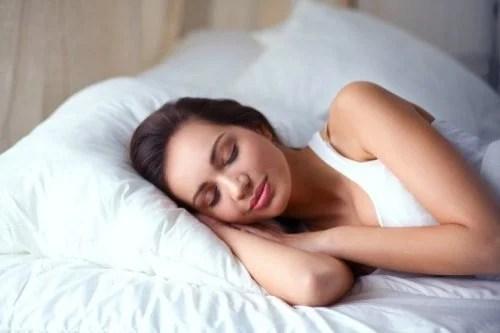 mulher-descansando-dormir-500x333 6 razões pelas quais não está perdendo peso