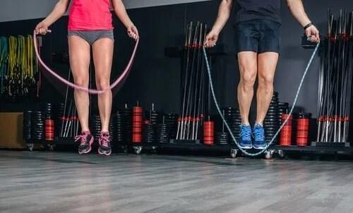 pular-corda-500x302 Rotina de exercícios militares para os amantes do esporte