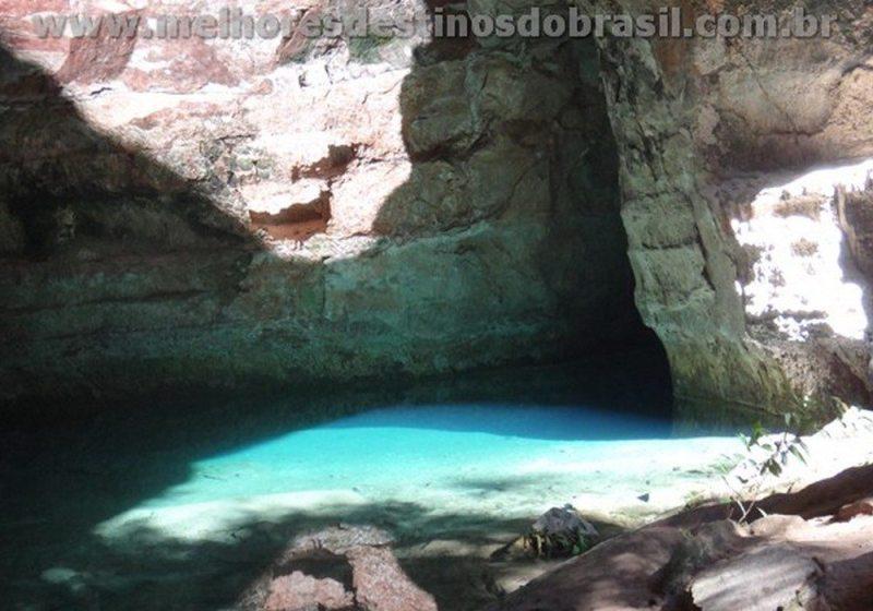 Caverna Aroe Jari e Gruta da Lagoa Azul