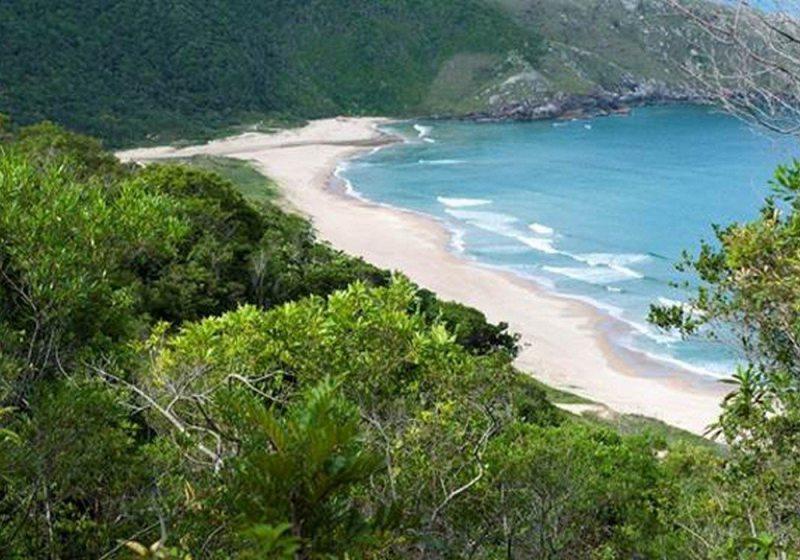 Florianópolis: Praia do Rosa é convite para uma Virada Mágica