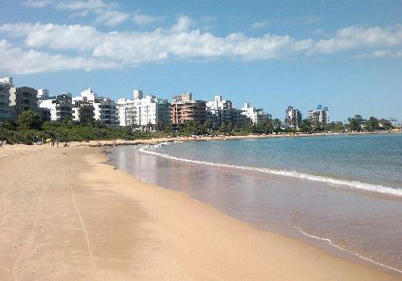 Praia Enseada Azul