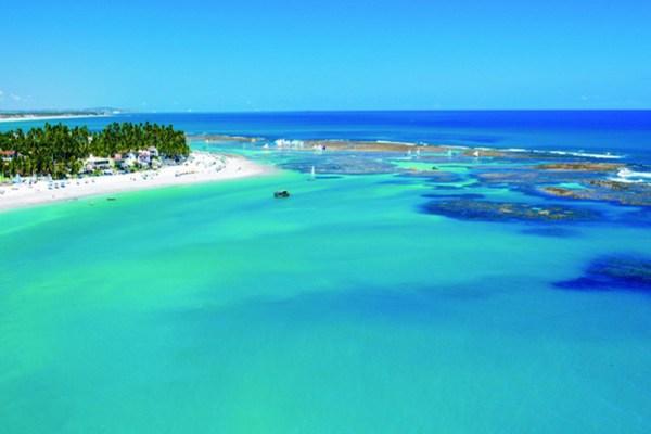 Praia de Porto de Galinhas, na região metropolitana de Recife, uma das mais bela do país