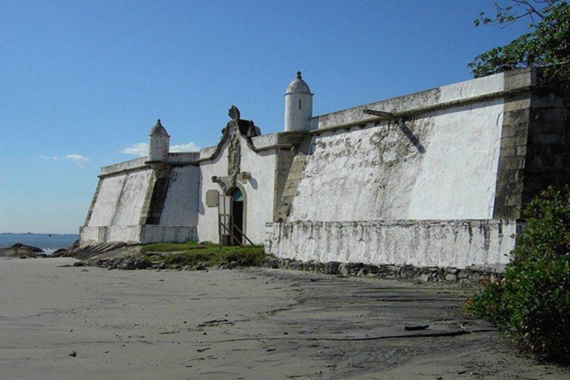 Forte Na Ilha Do Mel