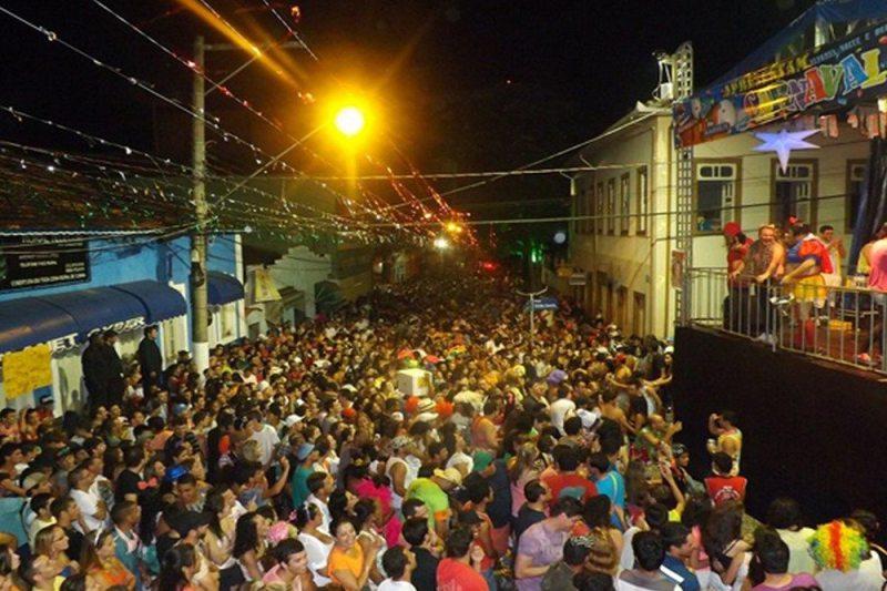 Carnaval em Cunha tem blocos de rua e refúgios tranquilos