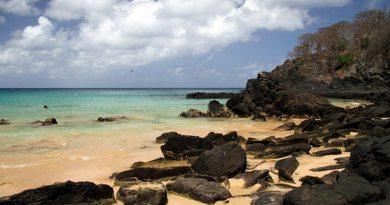 Baía do Sancho é declarada uma das melhores praias do mundo