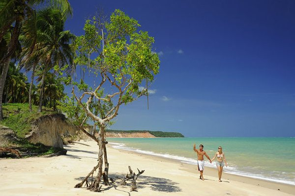 Barra De Santo Antônio É Um Paraíso Com Belas Praias