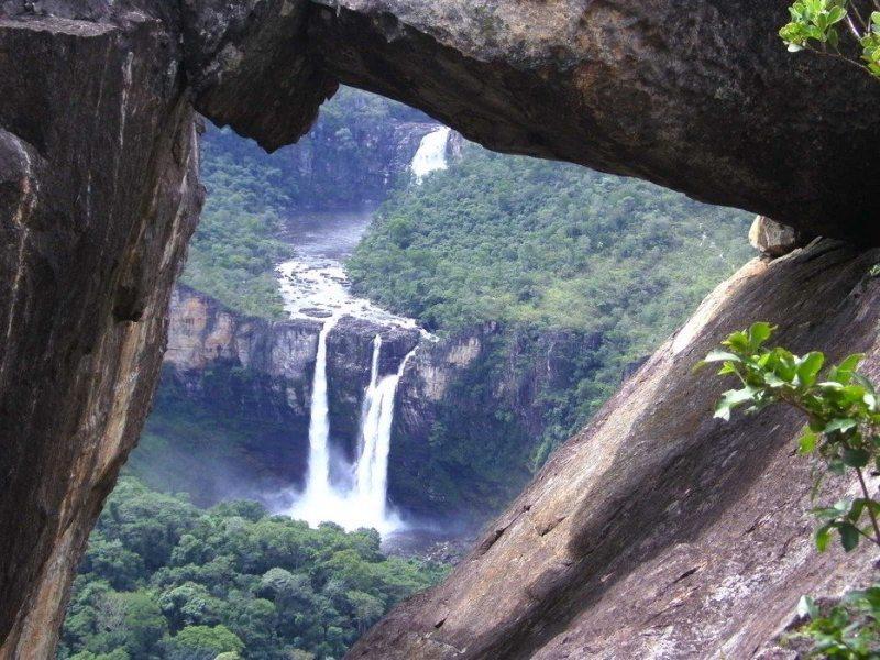 Turistas No Centro-Oeste Do Brasil