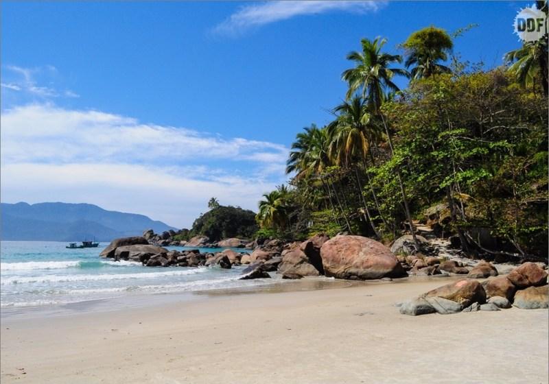 Praia Do Aventureiro Em Ilha Grande - Cópia