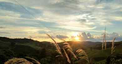 pôr do sol em bueno brandão