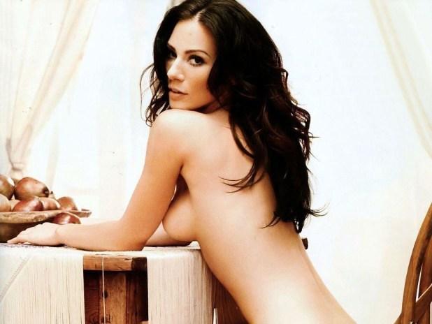 lynn-collins-naked-bikini-1671862615