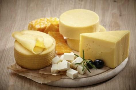 Consumo de laticínios ricos em gordura está relacionado com um menor risco de desenvolver obesidade central.