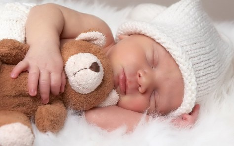 Nos bebés é hábito dormir muito