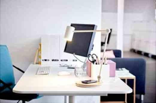 riggad-bureaulamp-met-draadloos-opladen-