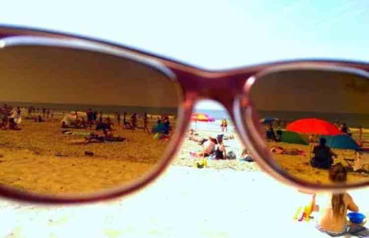 Zonnebril strand